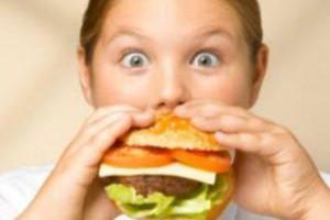 Осторожно, фаст-фуд: гамбургеры связывают с развитием астмы у детей