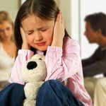 Стрессы и ссоры родителей повышают риск возникновения астмы у детей