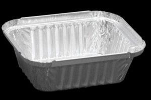 Металлические лотки для готовых блюд опасны для здоровья