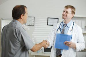 Во время визита к врачу предлагается заполнять тесты на употребление алкоголя