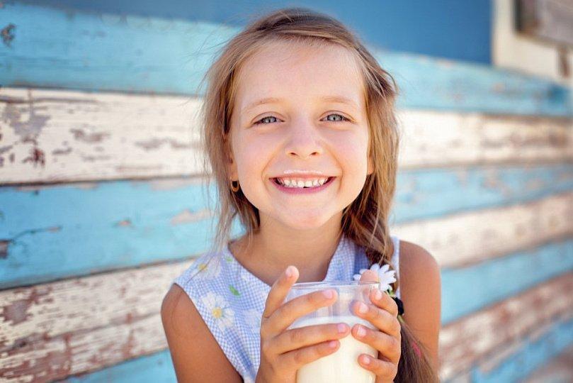 Кальций детям: продукты против таблеток