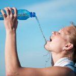 5 признаков избыточного употребления воды