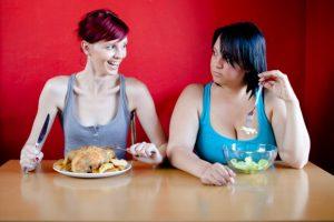 Ученые сравнили риски для здоровья от худобы и ожирения