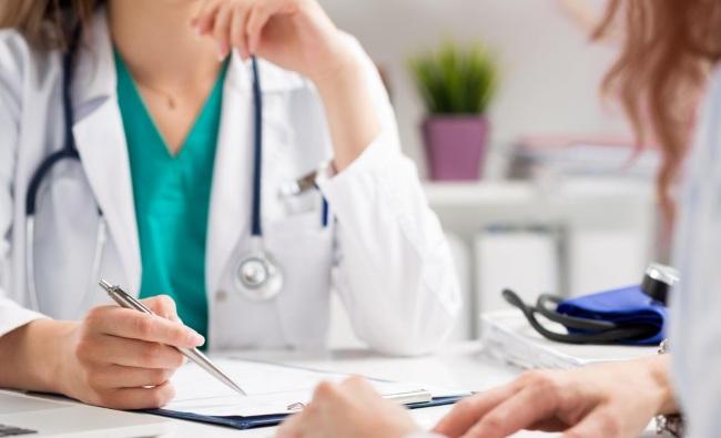Зарубежные врачи рассказали о причинах, симптомах и лечении бородавок