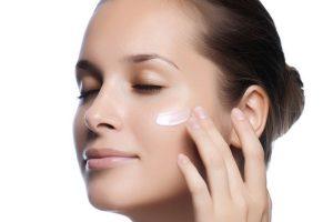 Забота о коже вокруг глаз