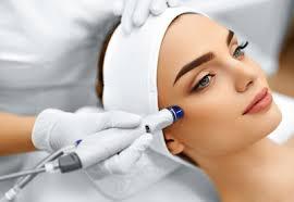 Минздрав намерен запретить медсестрам оказывать косметологические услуги