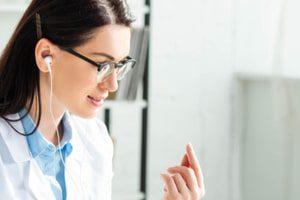 Первичные онлайн-осмотры пациентов могут легализовать