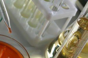 Ученые подтвердили преимущества адъюванта азоксимера бромид в противовирусной вакцине