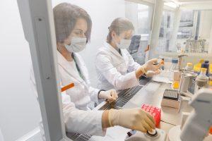 Вирусологи: некоторые люди были готовы к заражению новым коронавирусом