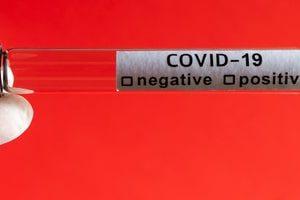 Исследование: реже всего положительный результат на COVID-19 отмечается у детей и подростков