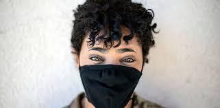 Тканевые маски защищают от коронавируса не только окружающих