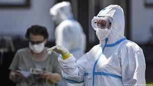 Эпидемиологи: не стоит жить под одной крышей с инфицированным коронавирусом