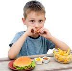 Медики доказали: обработанные продукты питания не дают развиваться детскому скелету