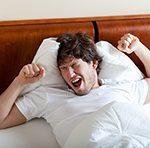 Эксперт: отдельным людям не стоит завтракать сразу после пробуждения