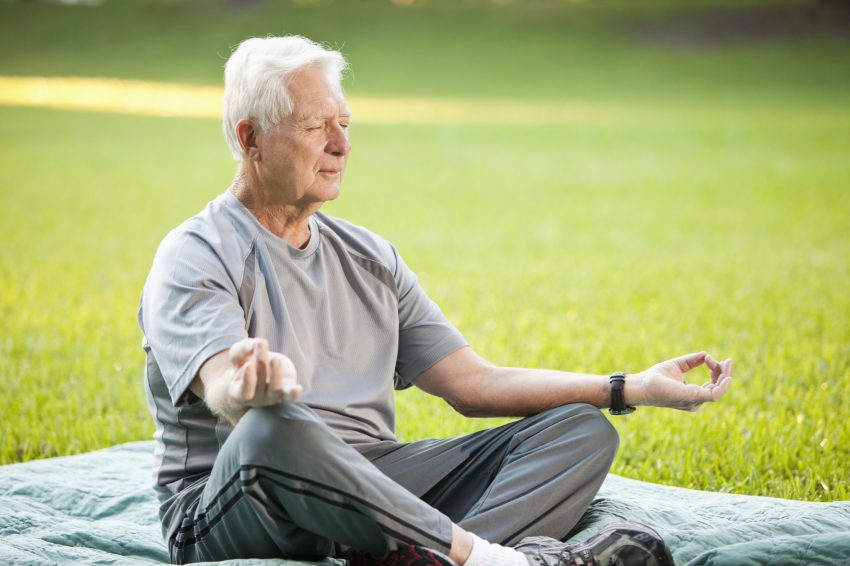 Исследователи рассказали, как пожилым людям снизить риск смерти