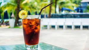 Врачи запретили женщинам пить сладкие напитки