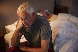 Длительность сна влияет на риск деменции. Как нормализовать сон в пожилом возрасте?