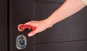 Простые ручки на дверях могут стать грозным оружием против больничных инфекций